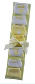 Gift Set – 7 Day Sock Yellow